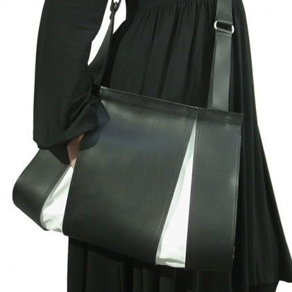 SPLIT schoudertas zwart/ wit geperforeerd